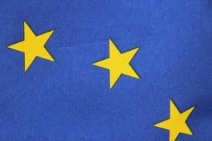 Ausschnitt mit drei Sternen aus der EU-Flagge.