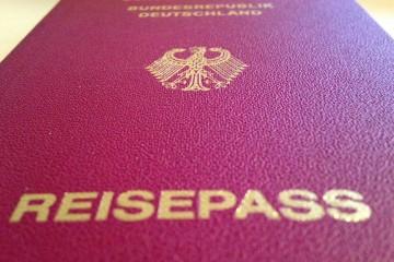 Nahaufnahme eines deutschen Reisepasses.